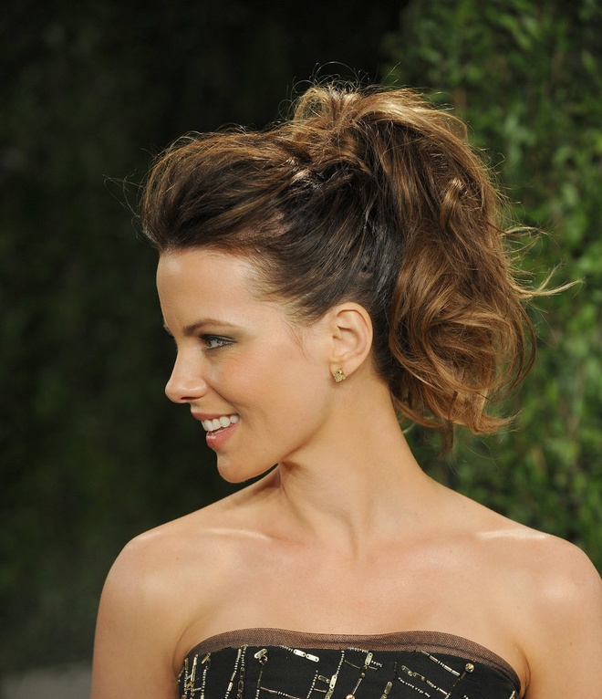 Sao Hollywood tranh nang nong voi toc duoi ngua hinh anh 9 Kate-Beckinsale