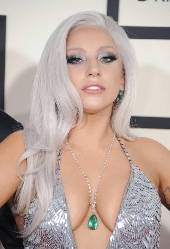 Sao Hollywood chuong mot trang diem mat loe loet hinh anh 9 Lady GaGa
