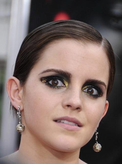 Sao va nhung kieu trang diem mat 'doa ma' nguoi doi dien hinh anh 7 Emma Watson