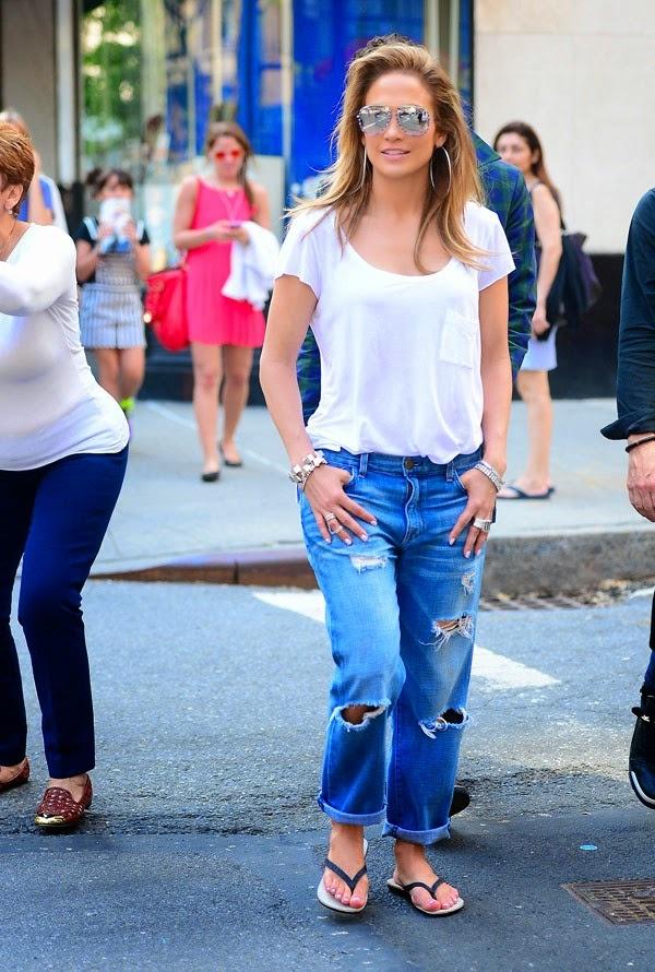 3 mau quan jeans tien trieu cua sao Viet duoc san lung hinh anh 8 jennifer-lopez-