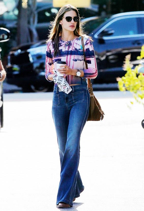 3 mau quan jeans tien trieu cua sao Viet duoc san lung hinh anh 15 Alessandra Ambrosio