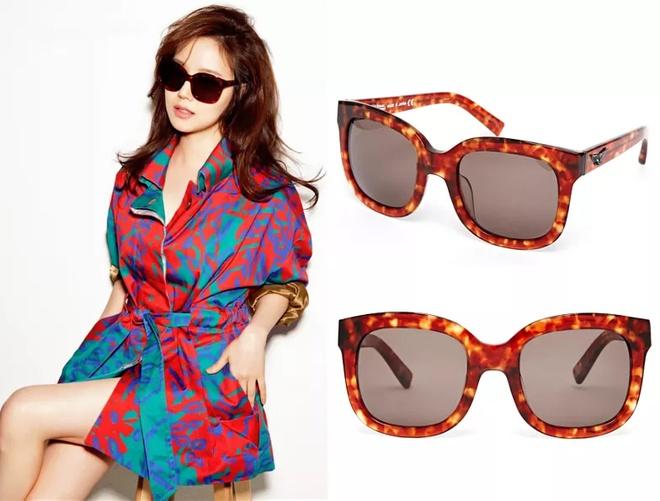 Nhung mau kinh hang hieu duoc sao Han san lung hinh anh 14 Vivienne Westwood Thick Frame Oversized Sunglasses ($323.00) Worn By Moon Chae Won