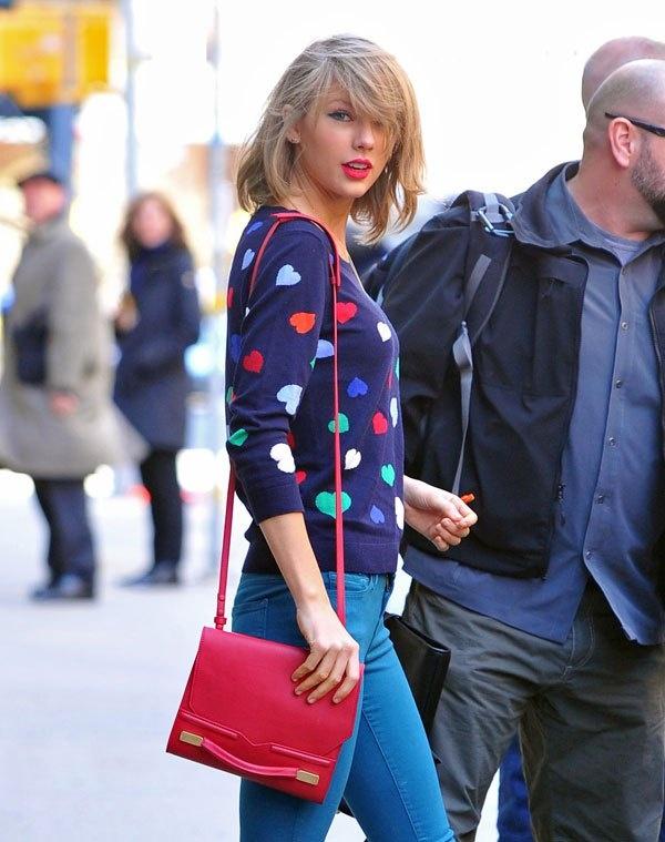 BST ao len giao mua thay la me cua Taylor Swift hinh anh 9