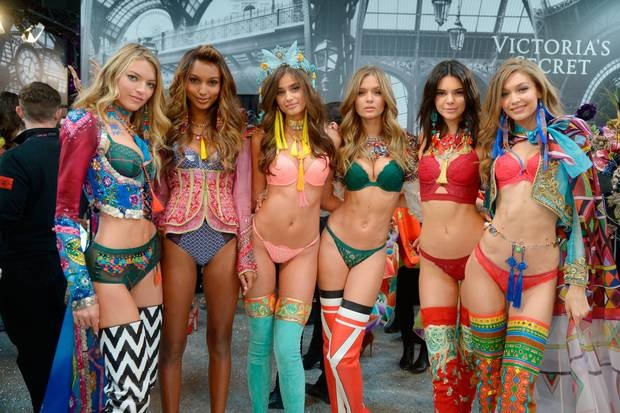 Den bao gio Victoria's Secret Show chap nhan nguoi mau ngoai co? hinh anh