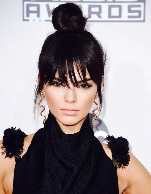 Sao Hollywood an gian tuoi voi toc bui dinh hinh anh 2 Kendall Jenner