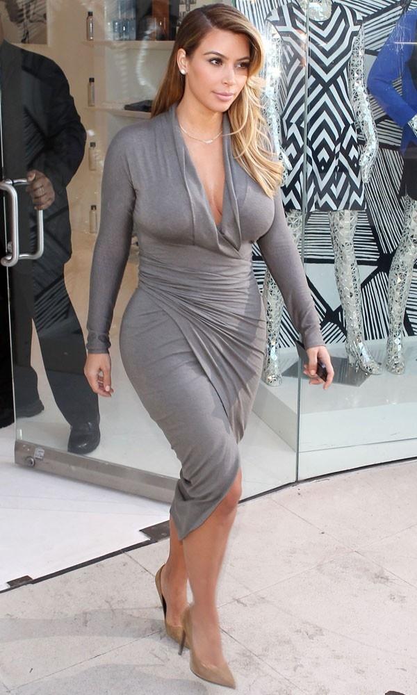 5 quy tac an mac giup trong thon tha hon cua Kim Kardashian hinh anh 19