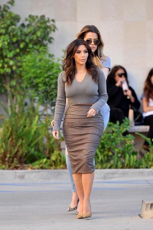 5 quy tac an mac giup trong thon tha hon cua Kim Kardashian hinh anh 5