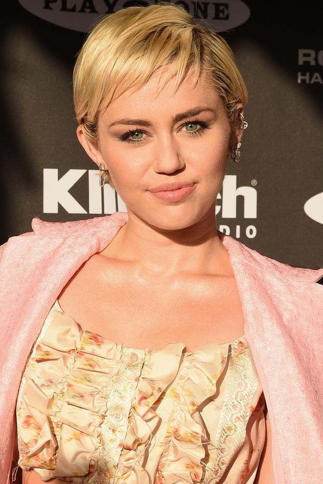 19 kieu toc pixie khien ban muon cat phang mai toc dai hinh anh 18 Miley Cyrus