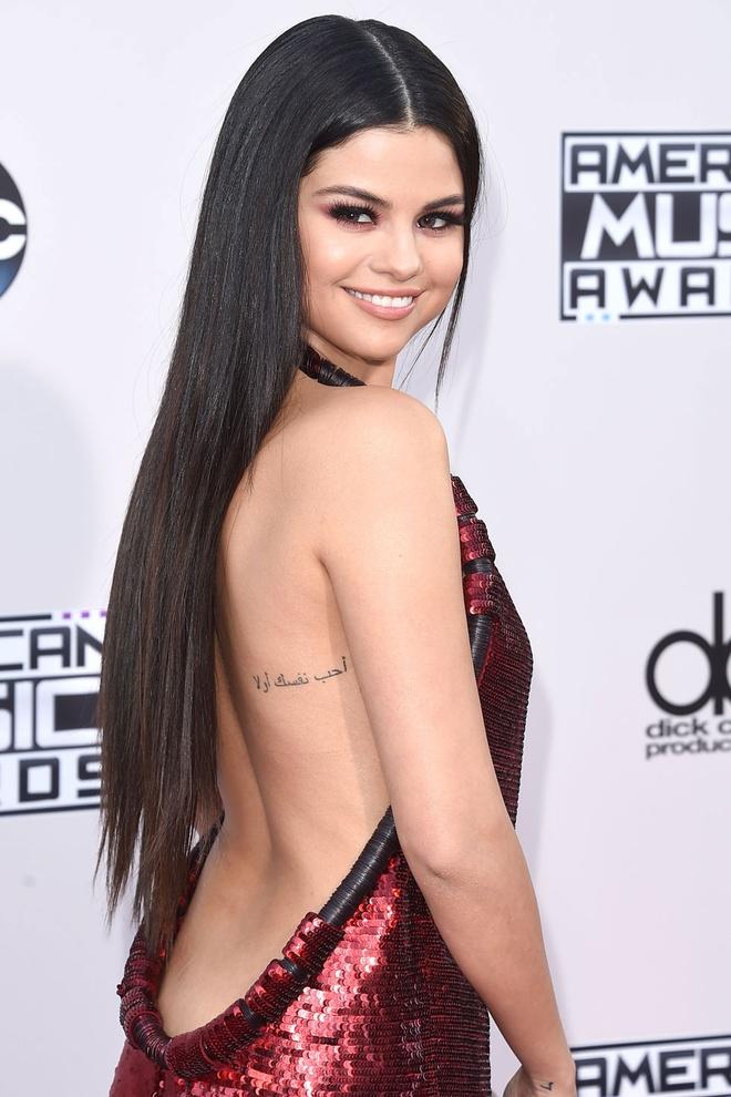 Toc dai - ve dep cua moi thoi dai hinh anh 15 Selena Gomez (2015)