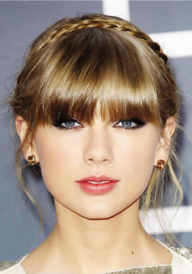 3 phong cach trang diem dac trung cua Taylor Swift hinh anh 3