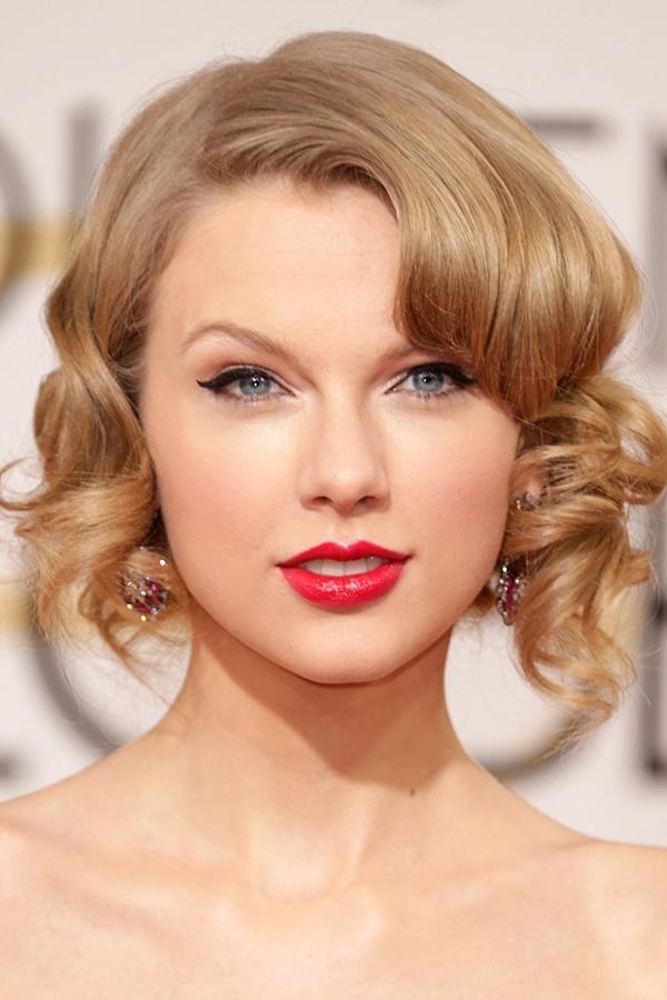 Nhung kieu toc xoan theo nam thang cua Taylor Swift hinh anh 11