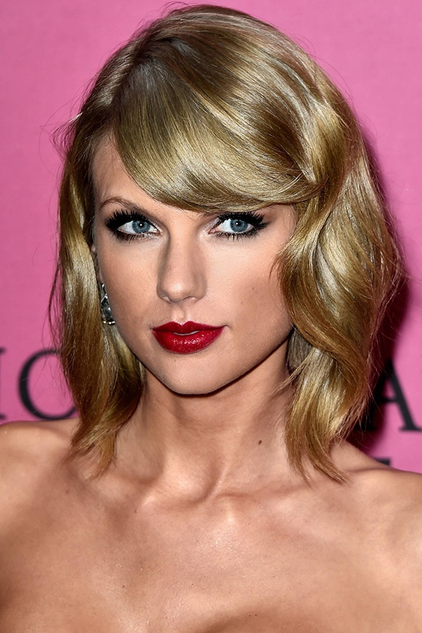 Nhung kieu toc xoan theo nam thang cua Taylor Swift hinh anh 12