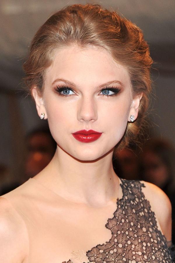 Nhung kieu toc xoan theo nam thang cua Taylor Swift hinh anh 9
