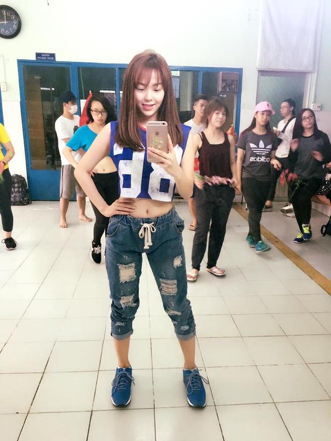 Minh Hang me dam cac kieu quan jeans ca tinh hinh anh 3