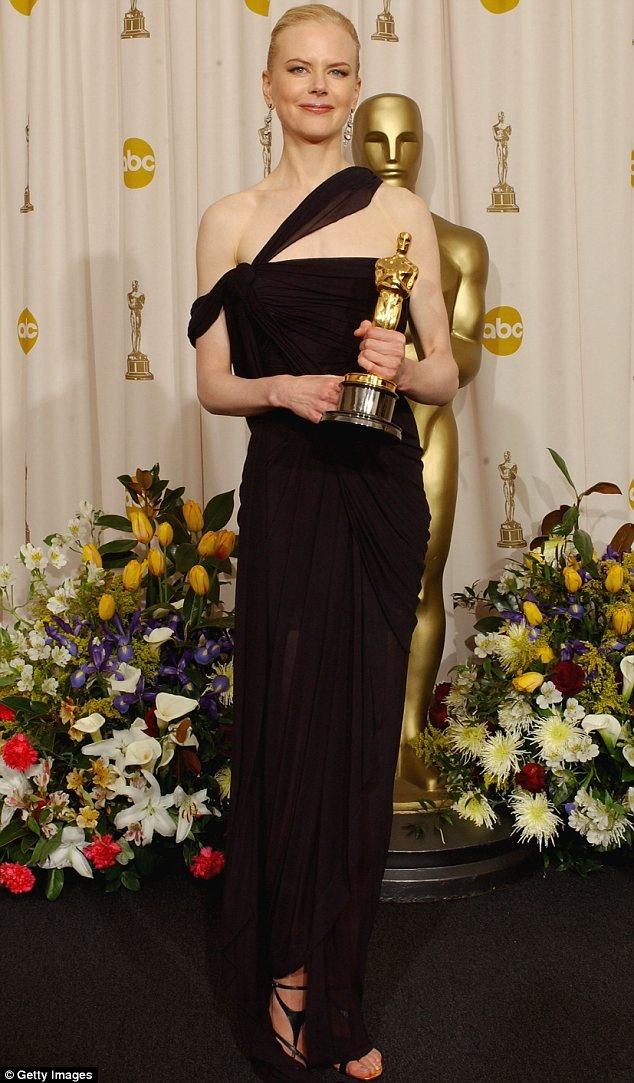 20 bo vay dep cua cac dien vien tung doat giai Oscar hinh anh 13