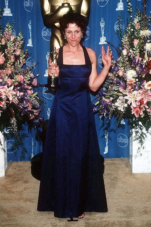20 bo vay dep cua cac dien vien tung doat giai Oscar hinh anh 19