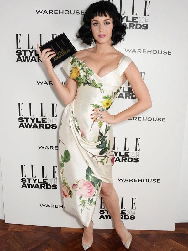 Thoi trang tham do doc dao cua Katy Perry hinh anh 3