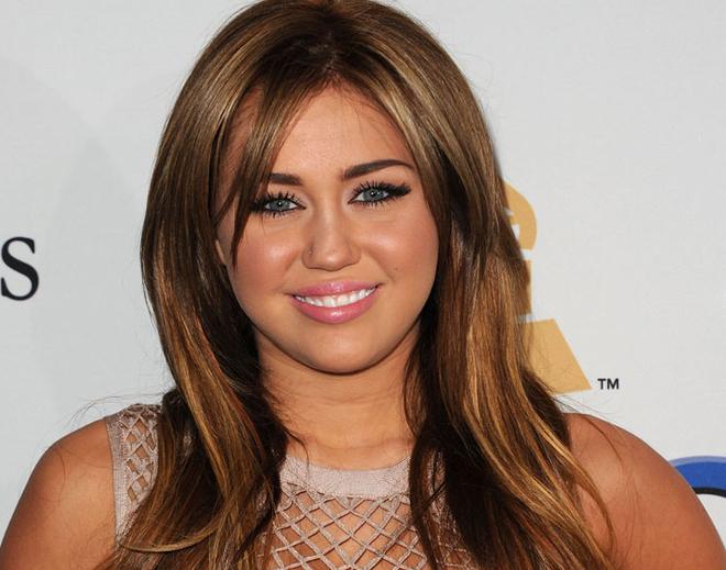 Nhung kieu toc cua Miley Cyrus theo thoi gian hinh anh 5
