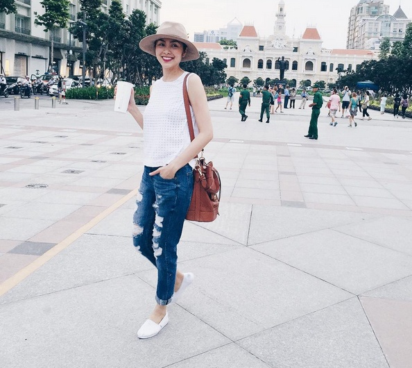 Ha Tang goi y cac mau jeans an gian tuoi don he hinh anh 7