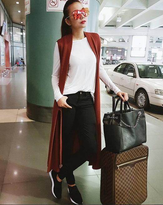Thanh Hang mix sneaker kheo leo the nao? hinh anh 4