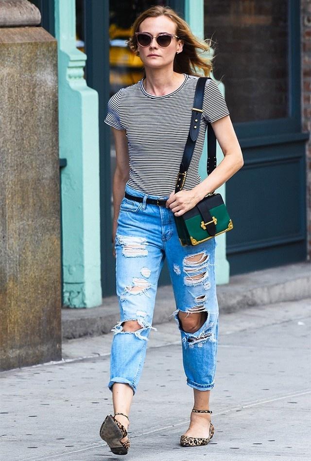 Mot jeans rach duoc sao lang xe tro lai hinh anh 1