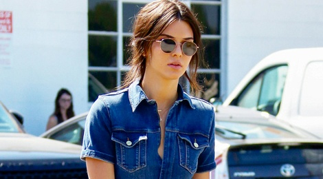 Thoi trang dao pho voi jumpsuit cua Kendall Jenner hinh anh
