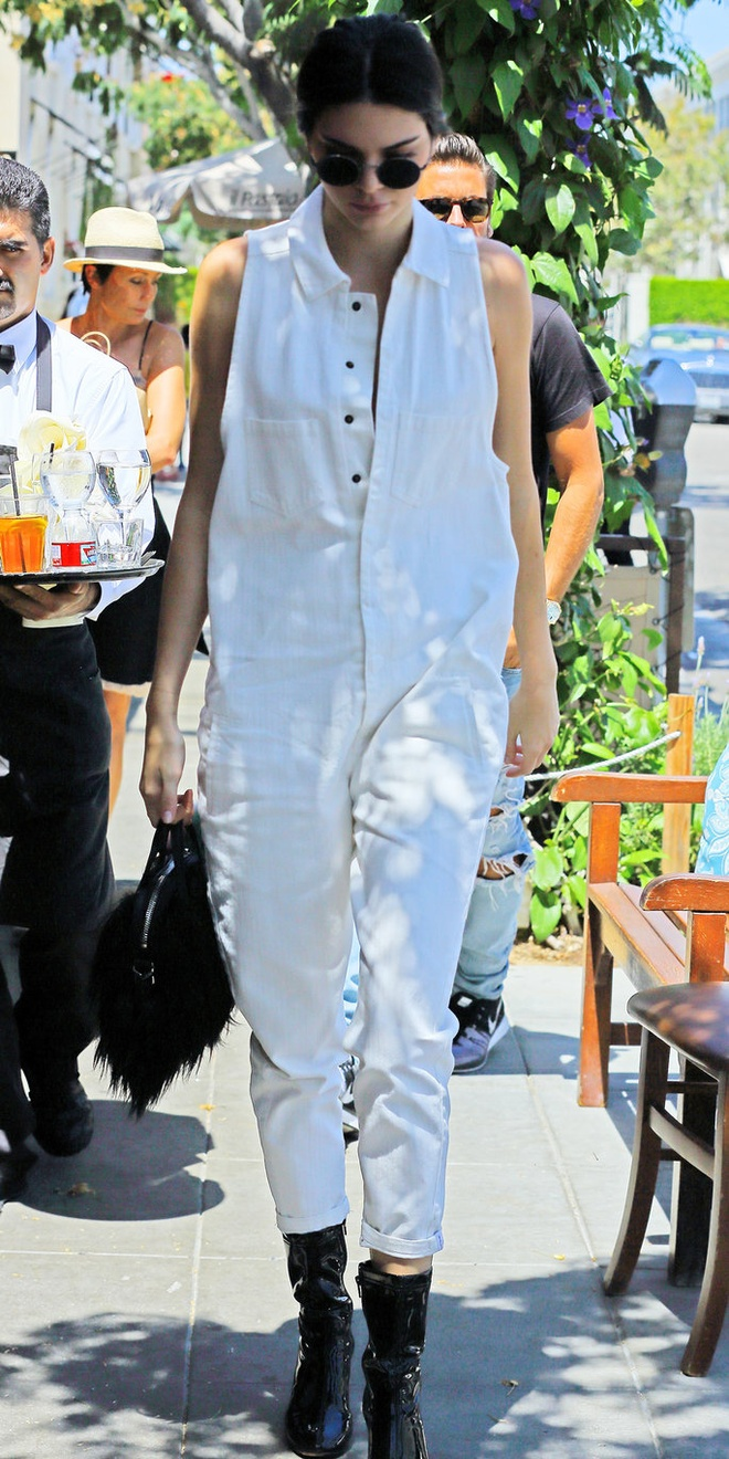 Thoi trang dao pho voi jumpsuit cua Kendall Jenner hinh anh 11