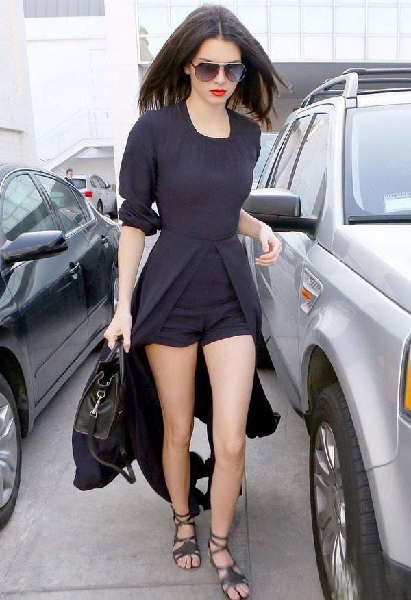 Thoi trang dao pho voi jumpsuit cua Kendall Jenner hinh anh 12