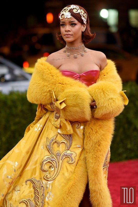 So thich mac ao long bat ke dong he cua Rihanna hinh anh 8