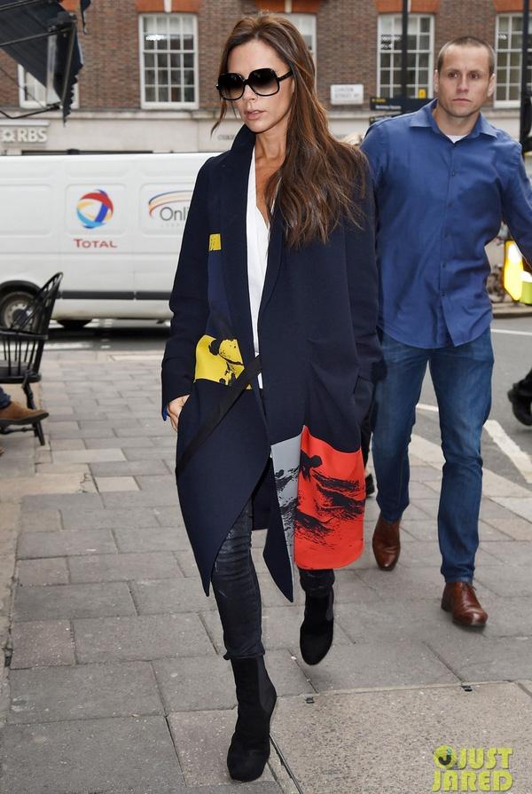 Victoria Beckham gay an tuong voi thoi trang dep bet hinh anh 11