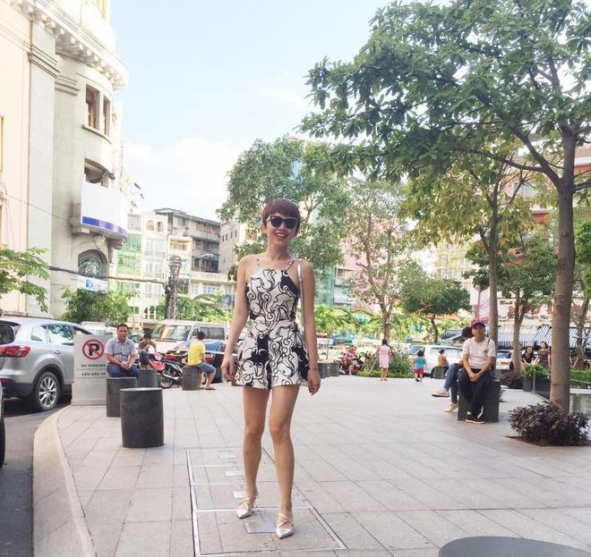 Toc Tien xinh tuoi voi trang phuc hoa tiet hoa hinh anh 9