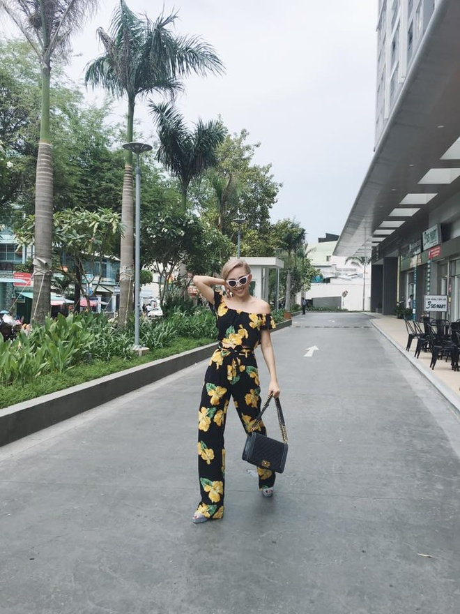 Toc Tien xinh tuoi voi trang phuc hoa tiet hoa hinh anh 2