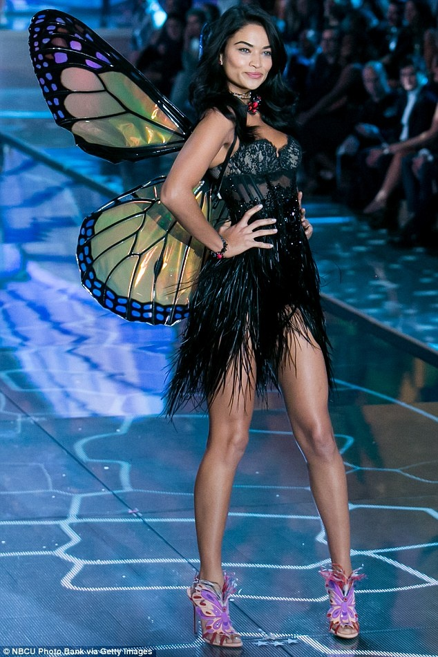12 thien than vang mat o Victoria's Secret Show 2016 hinh anh 3