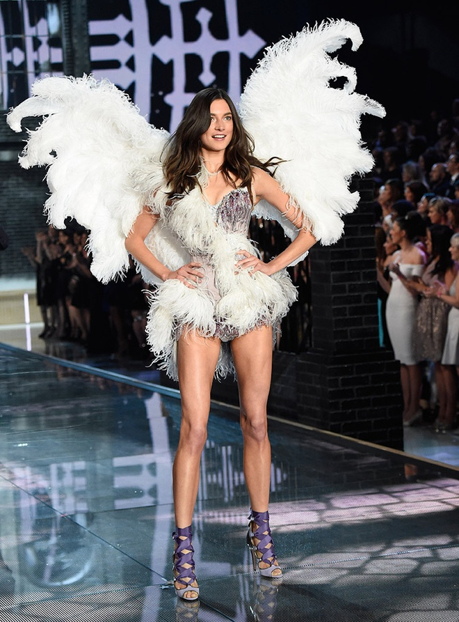 12 thien than vang mat o Victoria's Secret Show 2016 hinh anh 7