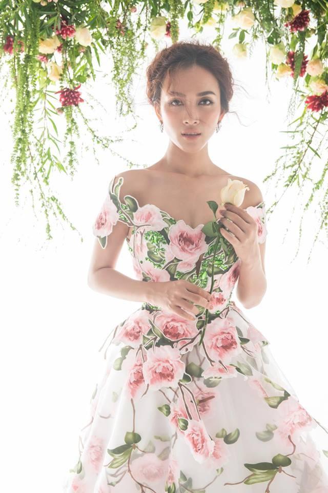 Loat sao don dau xu huong thoi trang hoa mua xuan hinh anh 11