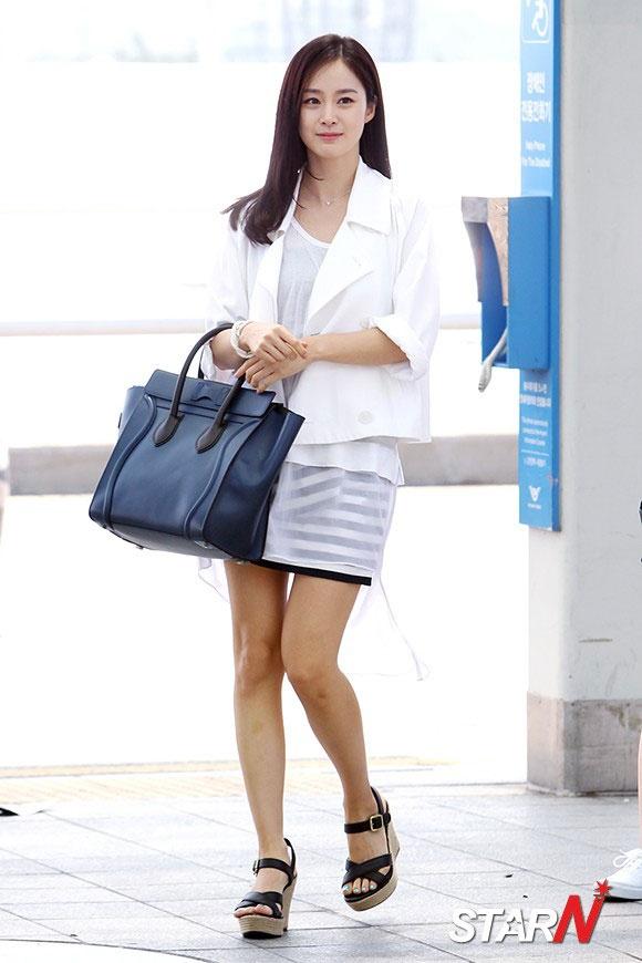 Phong cach thoi trang tre trung cua Kim Tae Hee hinh anh 2