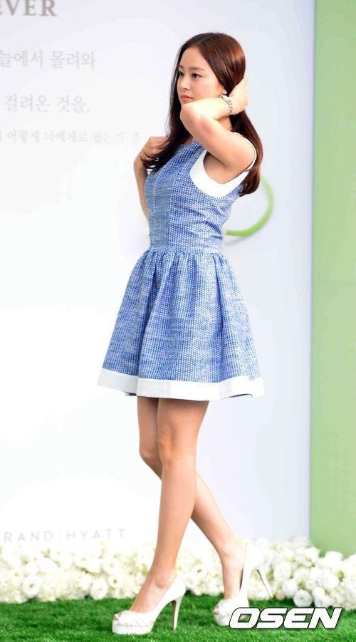 Phong cach thoi trang tre trung cua Kim Tae Hee hinh anh 7