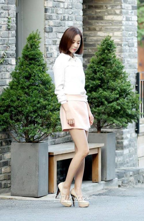 Phong cach thoi trang tre trung cua Kim Tae Hee hinh anh 9