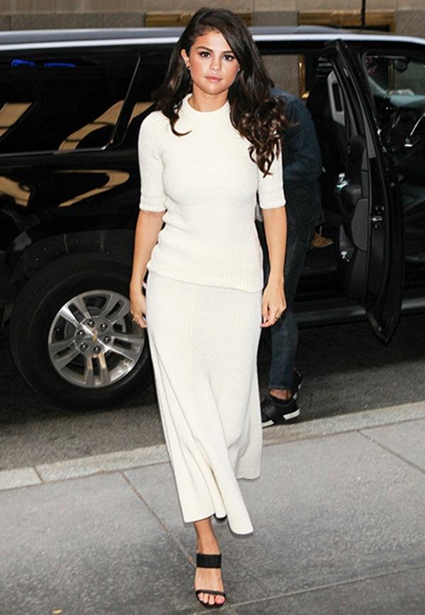 Selena Gomez goi y cach phoi do voi ao len ngay lanh hinh anh 12