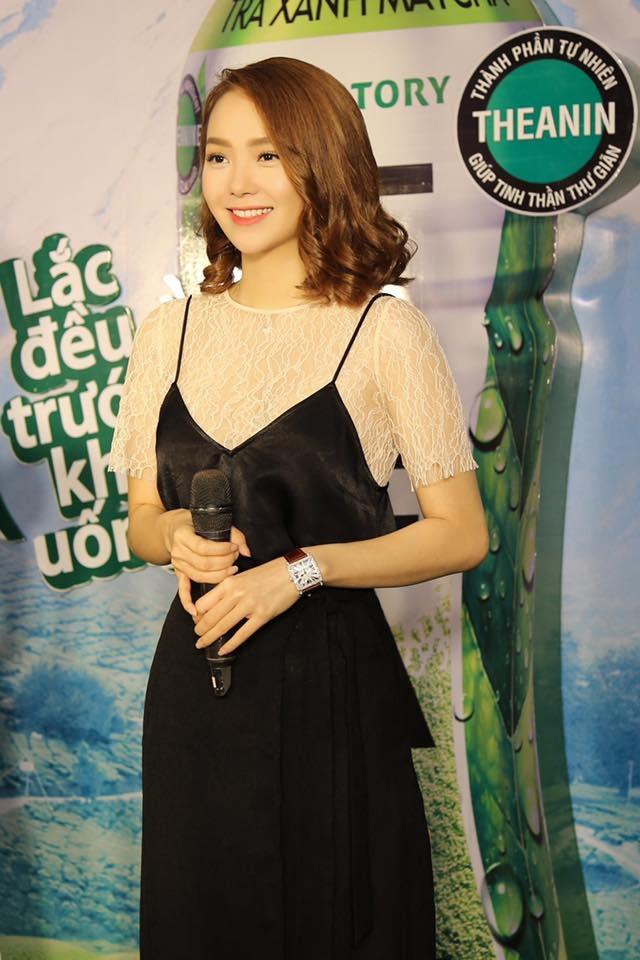 Bi quyet mac ao luoi khong ho hang cua Minh Hang hinh anh 6