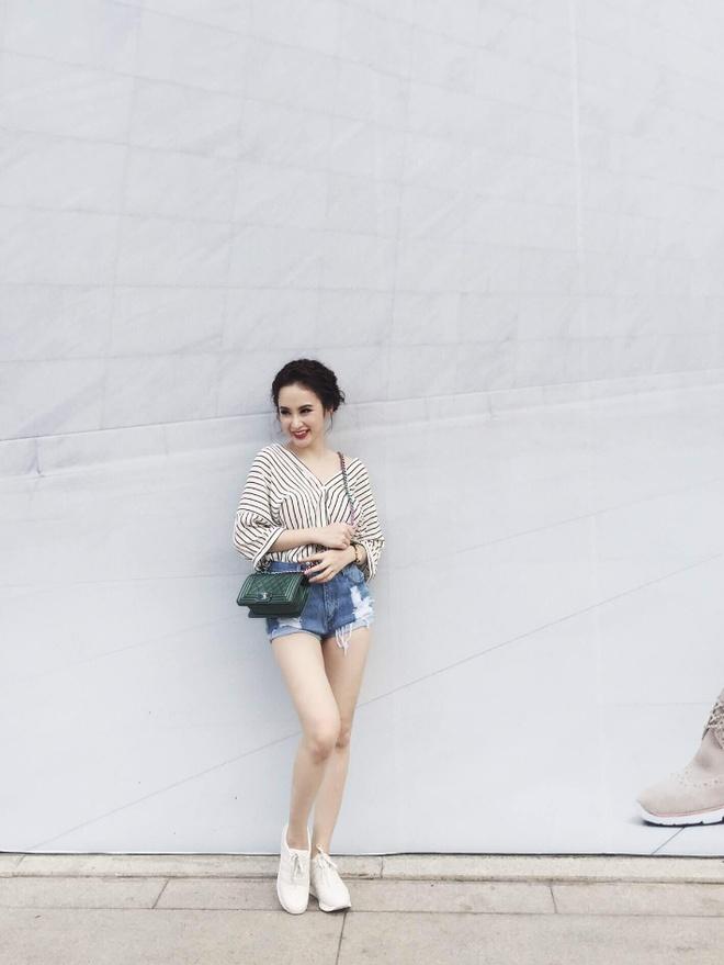 Angela Phuong Trinh 'nghien' mac so mi xuong pho hinh anh 11