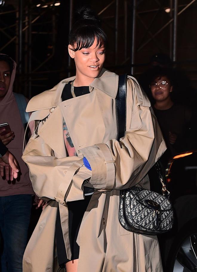 Gu thoi trang cua Rihanna anh 4