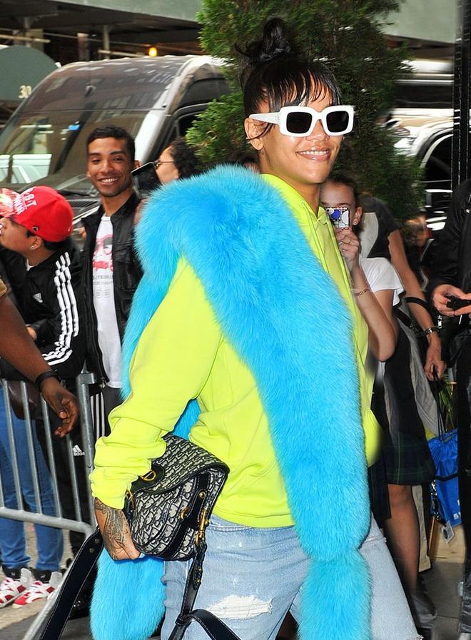 Gu thoi trang cua Rihanna anh 6