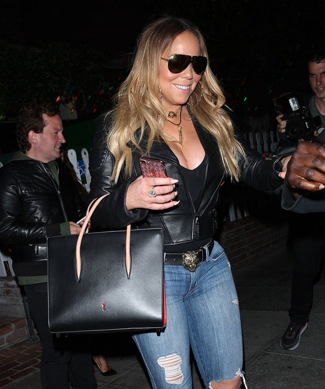 Boc gia mau tui dat do duoc Mariah Carey mang theo moi noi hinh anh 12