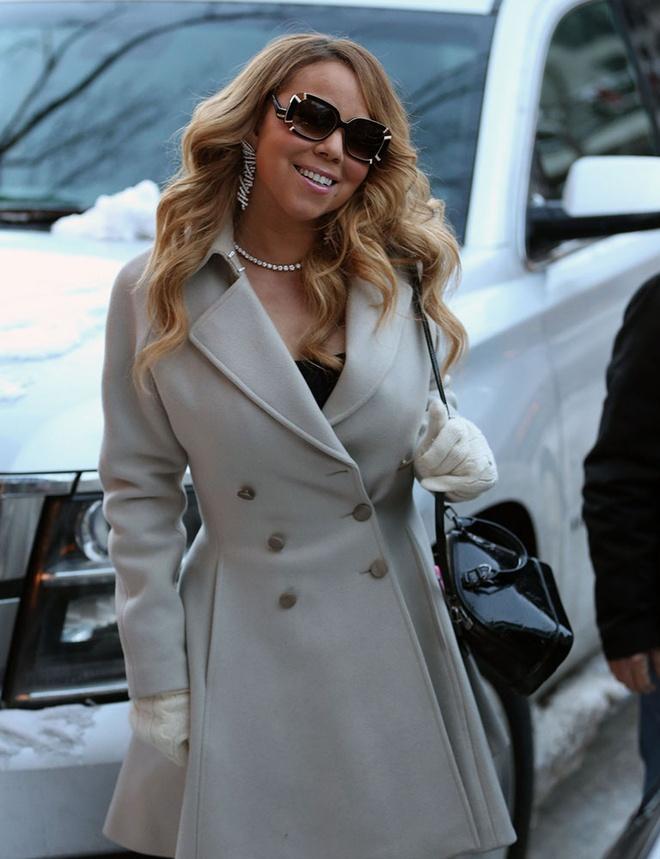 Boc gia mau tui dat do duoc Mariah Carey mang theo moi noi hinh anh 10