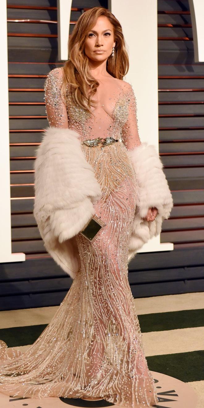15 bo canh mac nhu khong mac cua Jennifer Lopez tren tham do hinh anh 8