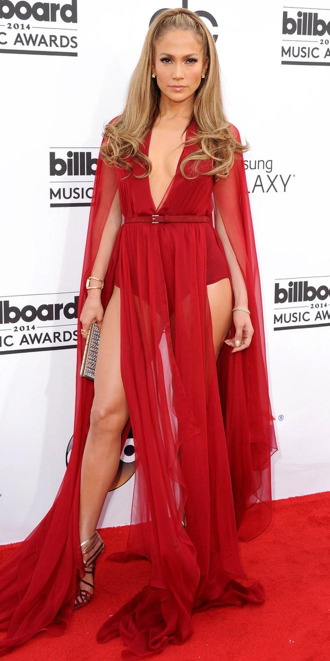 15 bo canh mac nhu khong mac cua Jennifer Lopez tren tham do hinh anh 9