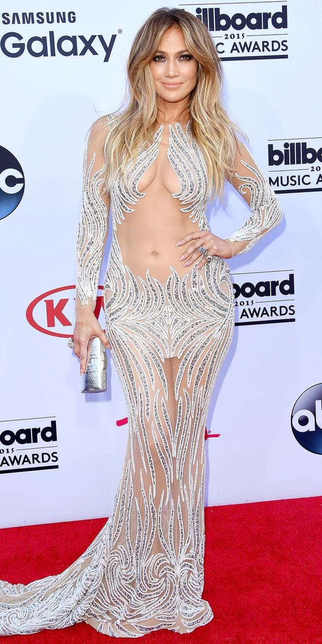15 bo canh mac nhu khong mac cua Jennifer Lopez tren tham do hinh anh 6