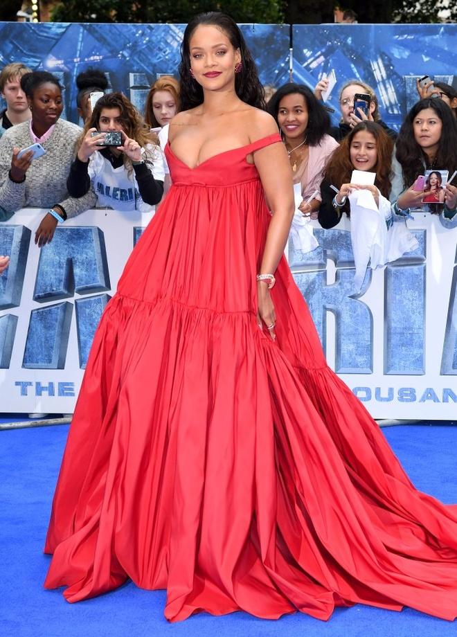 Rihanna khien fan ngan ngam vi gu an mac ngay cang te hinh anh 2
