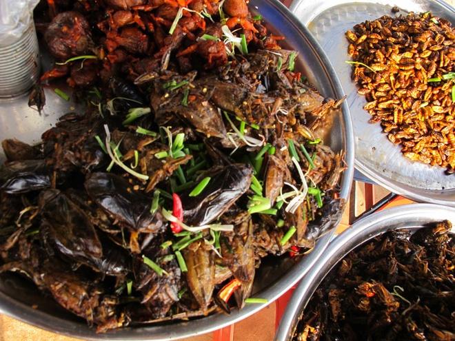 Món ăn của nhà nghèo nay trở thành đặc sản hút du khách khi đến Campuchia